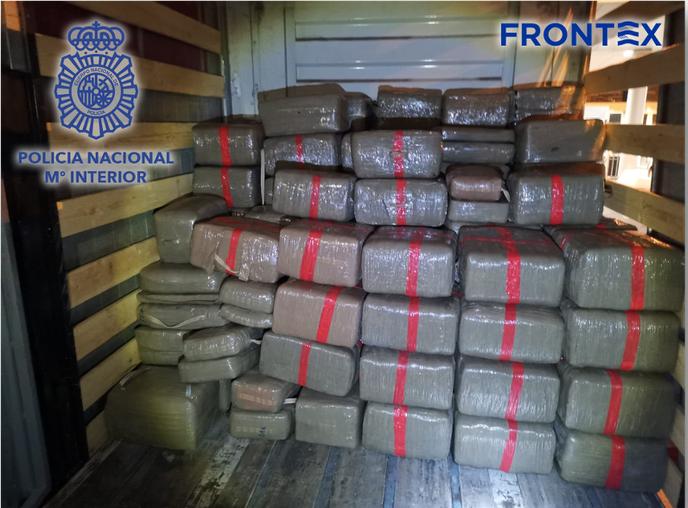 Rekordmennyiségűhasisttaláltak egy Marokkóból érkező kamionban a spanyol hatóságok