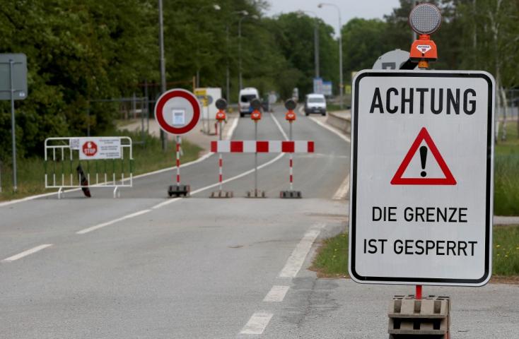 Éjféltől Ausztria megnyitja határait Csehországgal, Szlovákiával és Magyarországgal!