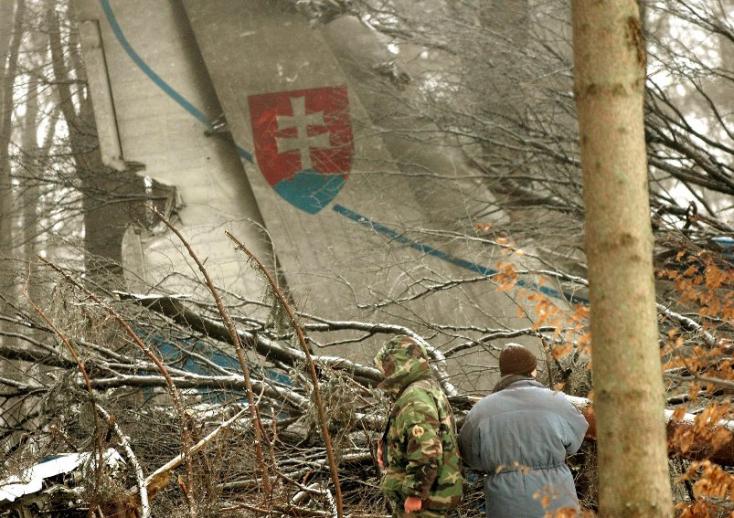 Új vizsgálatot indítanak a hejcei légi katasztrófa ügyében, amelynél 42 szlovák katona halt meg