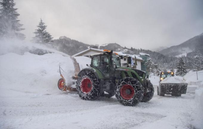 Dunaszerdahelyi tűzoltók is segítettek Észak-Szlovákiában, a hó eltakarításában