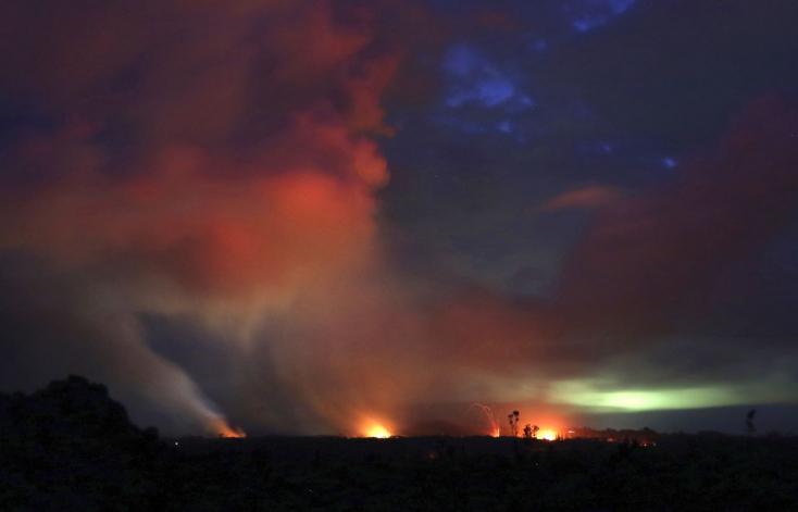 Nagy erejű kitörés rázta meg a Hawaii szigetén tomboló vulkánt