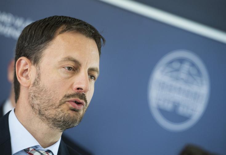 Heger szerint valósághű volt Čaputová beszéde, Ficót a rosszindulat vezetőjének nevezte