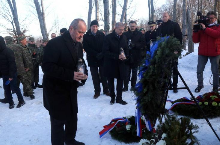 Perelni fogják a minisztériumot a repülőgép-szerencsétlenségben odaveszett 42 szlovákia katona rokonai