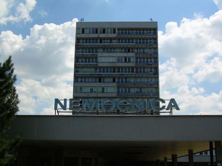 Nagyon súlyos a helyzet a Pozsonyi Egyetemi Kórházban,176 egészségügyisvan karanténban