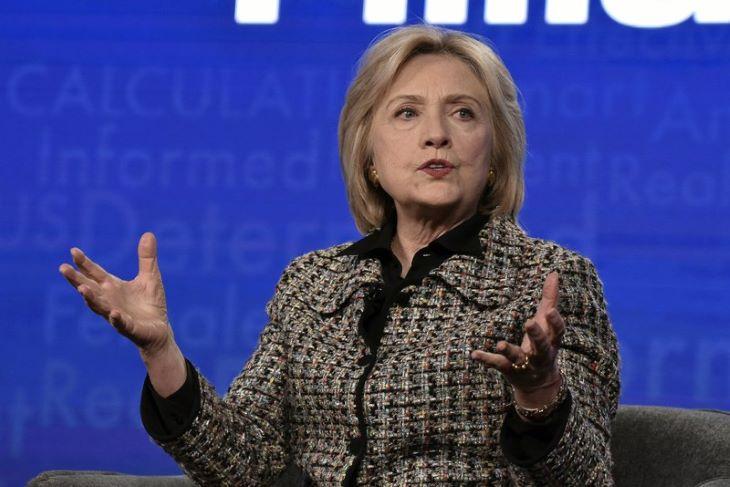Hillary Clinton politikai thrillert ír