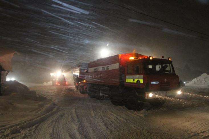 250 önkéntes tűzoltó indult északra segíteni, köztük csallóköziek és mátyusföldiek!