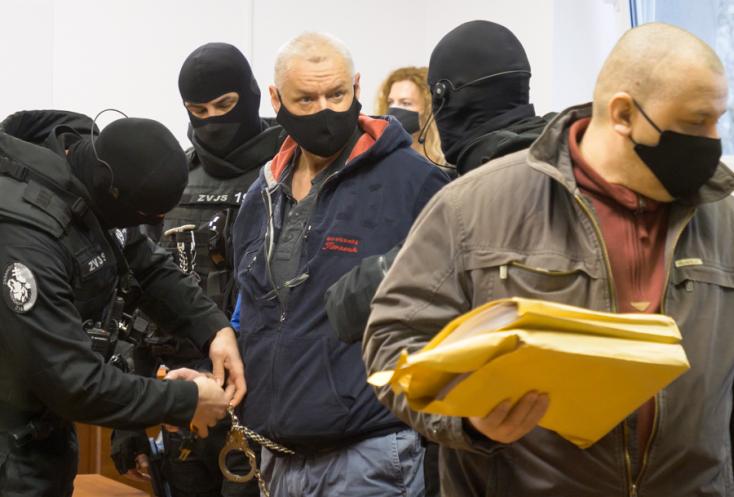 """Tiltakozik a vádemelés ellen, és a """"tömeggyilkosokra"""" mutogat Horváth Lehel"""