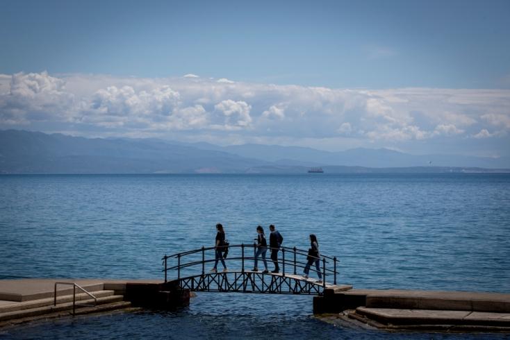 Elég csak egy szál bikinit vinned el az útra - A horvátok már nem kérnek tesztet, sem oltási igazolást