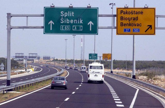 Júliustól több mint 5millió turista látogatott Horvátországba, ahol egyre csak nő a vírusos fertőzöttek száma