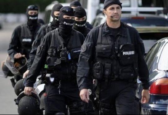 Rendőrök oszlatták a Zürich futballcsapatának drukkereit