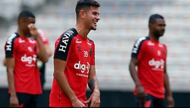 Brazil középpályással erősített az Olympique Lyon