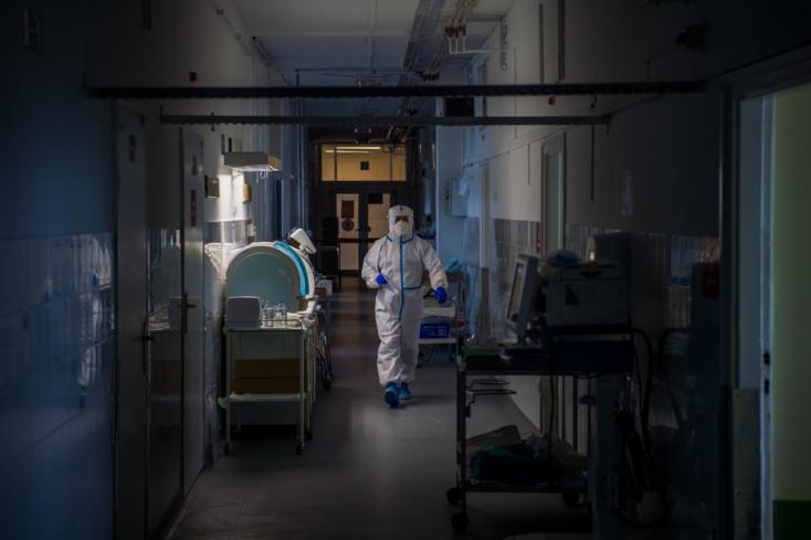 Újabb 207 áldozata van a koronavírus-járványnak Magyarországon