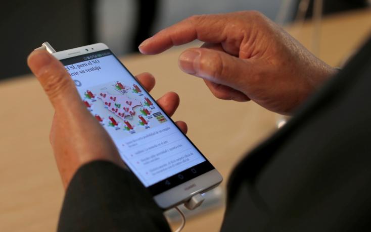 Négyezer munkahelyet létesít Csehországban a Huawei