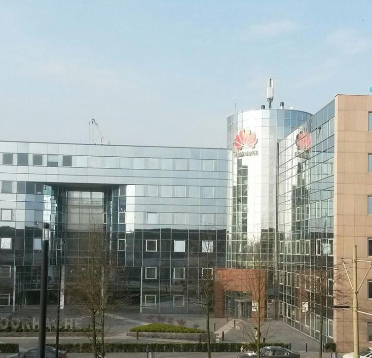 Huawei-incidens: az emberi jogokat semmibe vevő Peking embertelenségről pampog