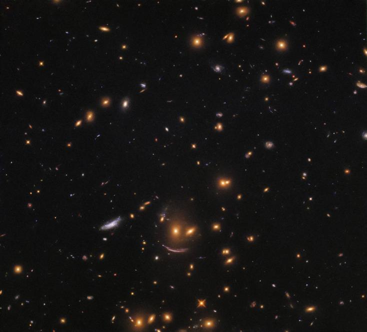 Mosolygó arcot talált az űrben a Hubble űrteleszkóp