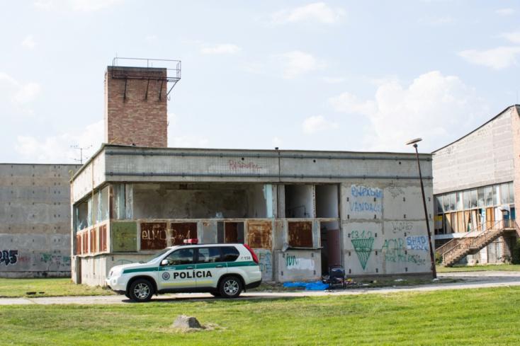 Holttestet mégsem, de mégis mit találhattak a zsaruk a régi sportcsarnoknál?