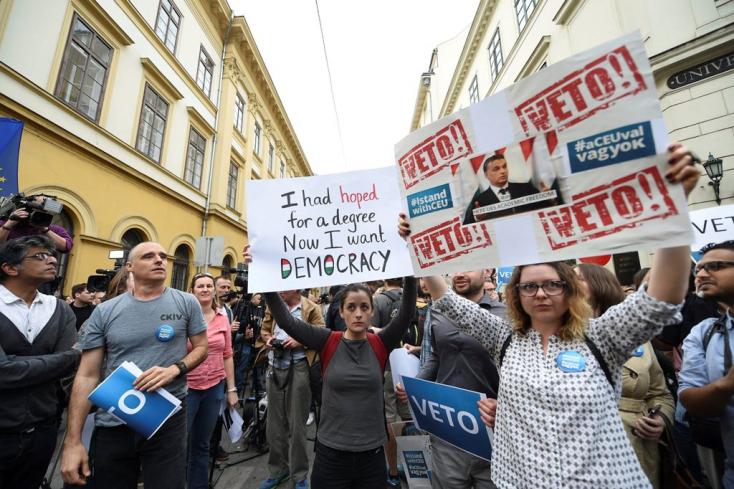 Elstartolt a magyar választási kampány