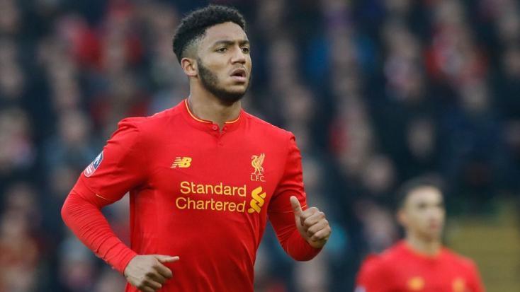 Eltört a lába a Liverpool válogatott védőjének