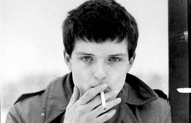 Negyven évvel ezelőtt halt meg Ian Curtis, a Joy Division énekese