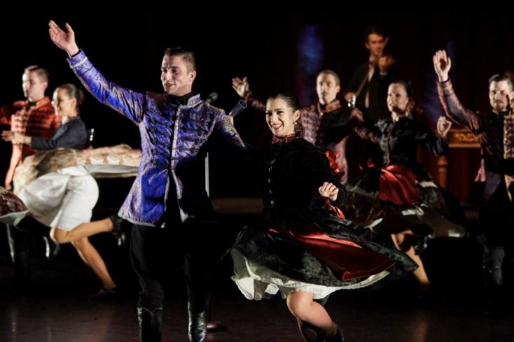 Századszor perdül az Ifjú Szivek Nemzeti tánca