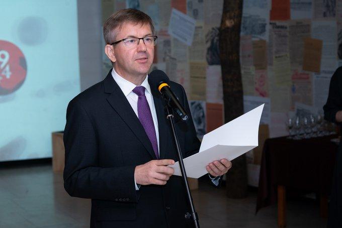 Kiállt Lukasenka ellen, aztán lemondott Fehéroroszország szlovákiai nagykövete