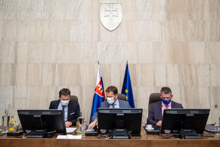 Csütörtökön jön a bizalmi szavazás a parlamentben, de előtte még Matovič felszólal