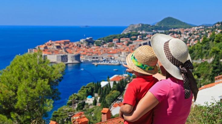 Horvátországban és Szlovéniában nem mérséklődik az új fertőzöttek száma