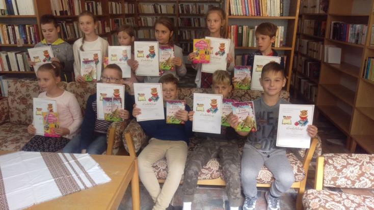 Nagymegyeri lurkók kalandoztak könyvországban