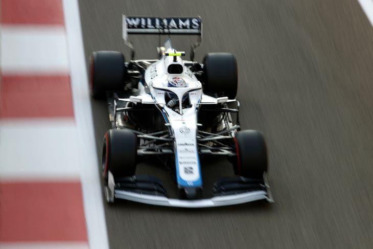 Forma-1 - Hackertámadás után bemutatta új autóját a Williams