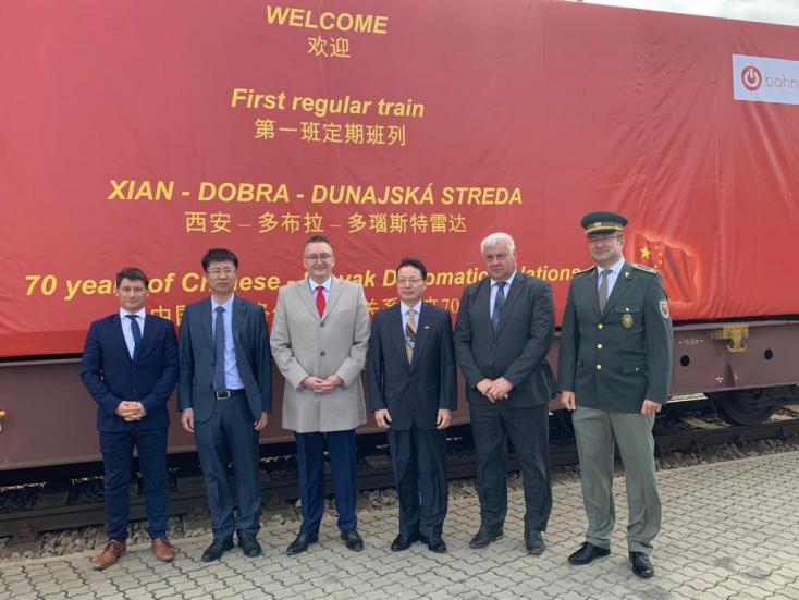 Befutott az első kínai tehervonat Dunaszerdahelyre! (FOTÓK, VIDEÓ)