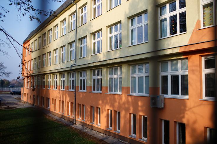 Három alapiskola, négy óvoda és a zeneiskola igazgatói posztjára pályázhatnak Dunaszerdahelyen