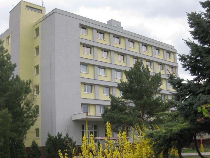 A Jednota Fogyasztási Szövetkezet Magán Szakközépiskolája és a Magán Hotelakadémia nyílt napja Somorján