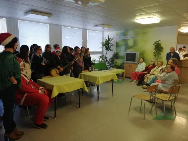 Jótékonysági rendezvények a dunaszerdahelyi egészségügyiben
