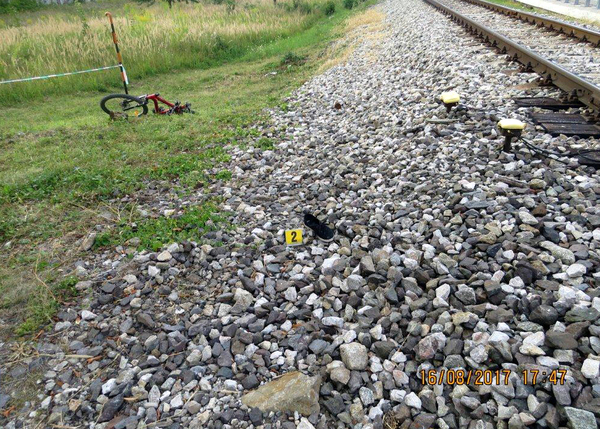 TRAGÉDIA: Fülhallgatók miatt gázolhatta halálra a vonat a 23 éves lányt