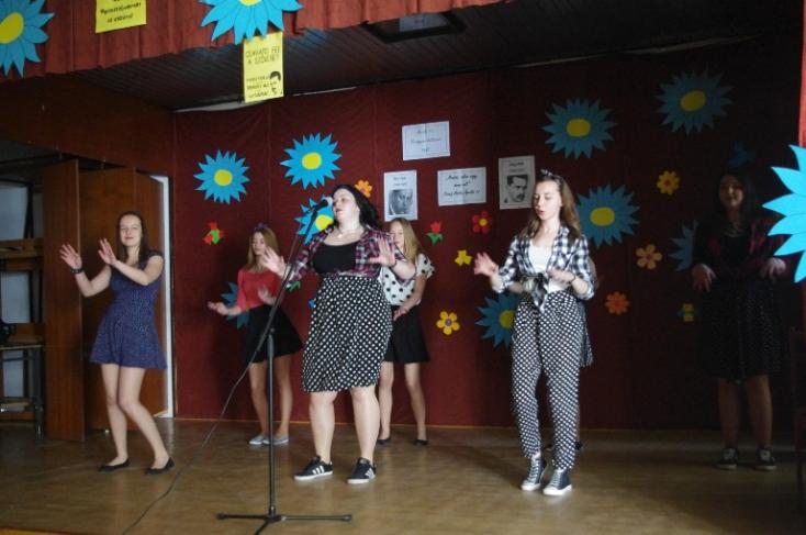 Csavard fel a szöveget! – zenés-irodalmi műsor a dunaszerdahelyi iskolában