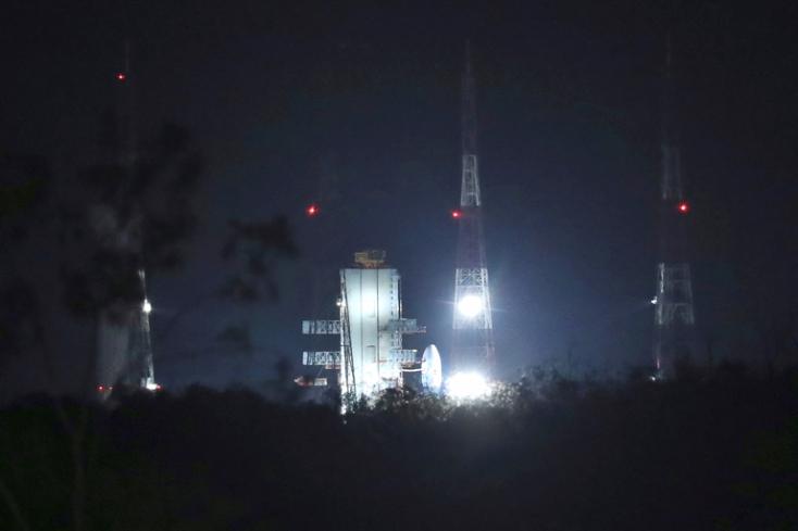 Megszakították az első, leszállást is magába foglaló indiai Hold-misszió startját
