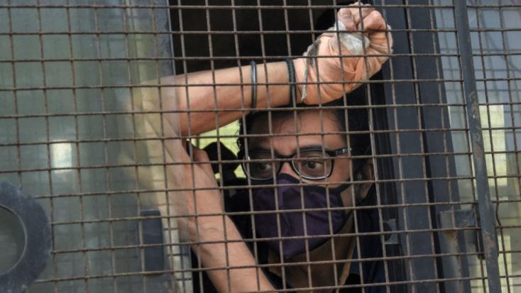 Öngyilkossággal összefüggésben letartóztatták az egyik legismertebb indiai televíziós személyiséget