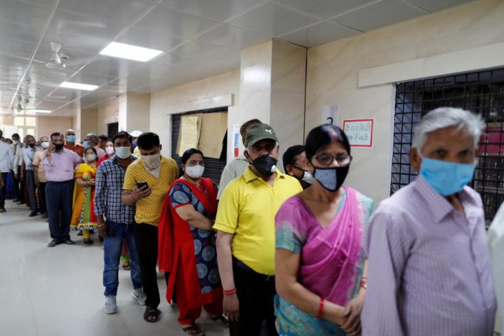 Újabb rekord Indiában – egy nap alatt 145 ezer fertőzött!