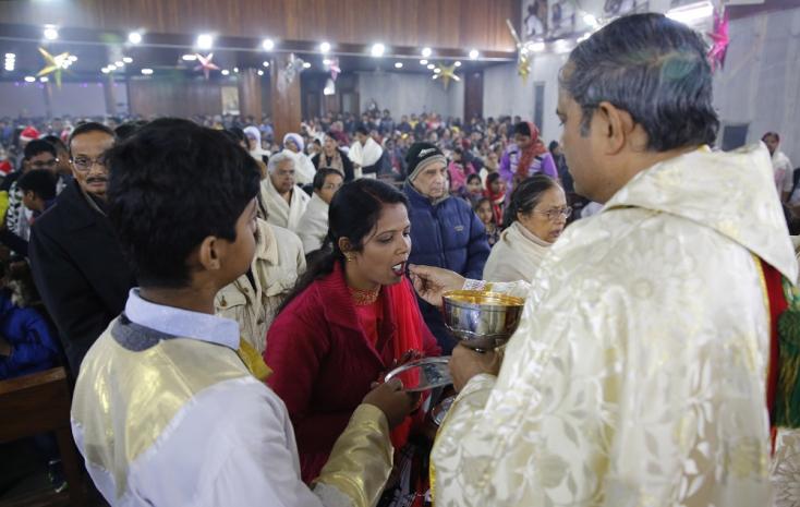 Tömeges esküvőt tartottak szenteste