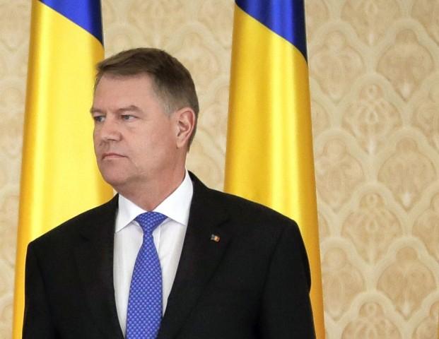 A román elnök szerint Romániának nincs miniszterelnöke, egy bűnöző irányít a háttérből
