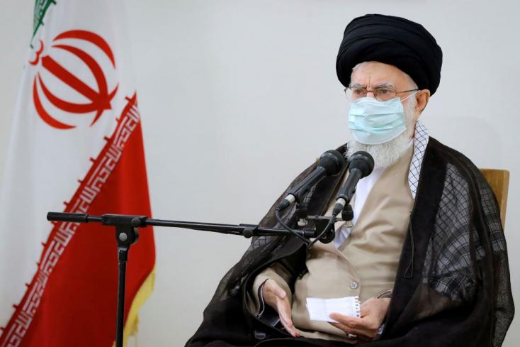 Annyira tombol a világjárvány Iránban, hogy csak a fontos árukat szállító teherautók és mentőautók lehetnek az utakon