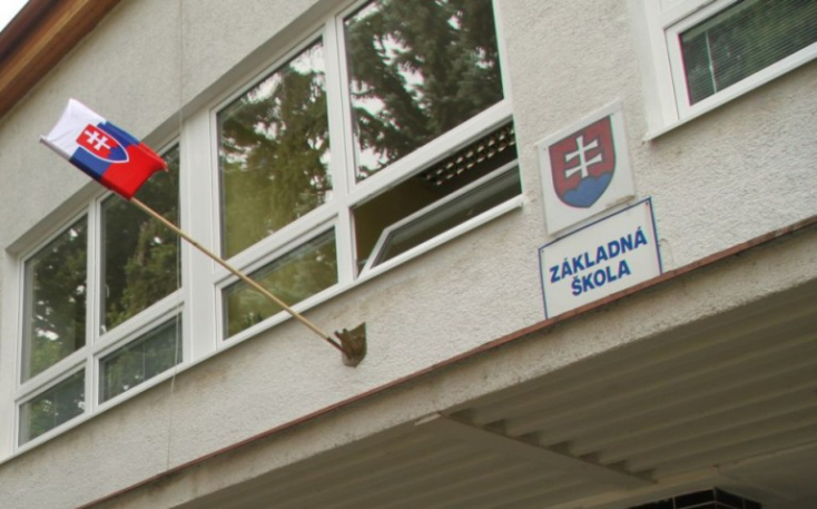 Új iskola- és óvodaigazgatókat keresnek Vágsellyén