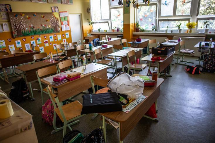 75 iskolát zártak be eddig a koronavírus miatt Szlovákiában