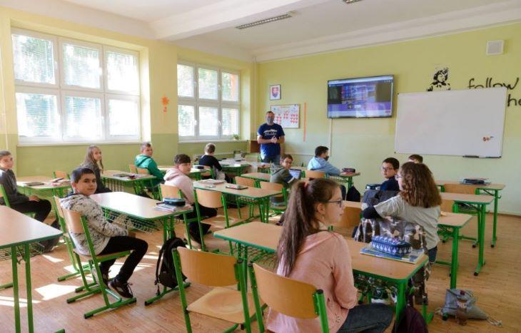 Mehetnek iskolába azok a gyerekek, akiknek a szülei nem mennek el az országos tesztelésre