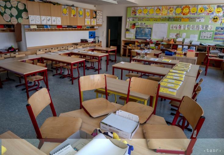 Az iskolanyitás a káosz iskolapéldája