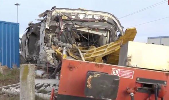 Kisiklott egy vonat Milánónál, többen meghaltak!