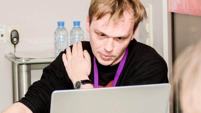 Az EBESZ az őrizetbe vett orosz tényfeltáró újságíró szabadon engedését sürgeti