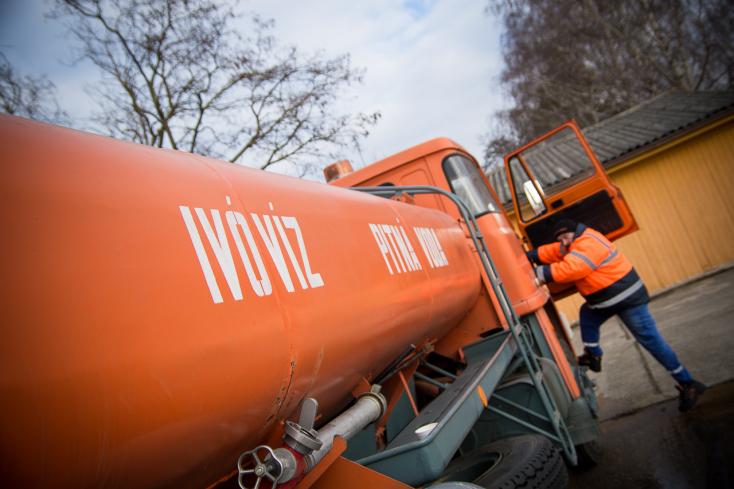 Aktivisták mikroműanyagot találtak a csallóközi ivóvízben