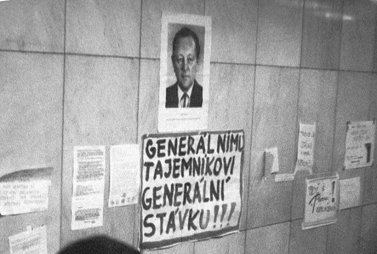 Elhunyt a csehszlovák kommunisták egykori főtitkára, aki csodálta Ficót