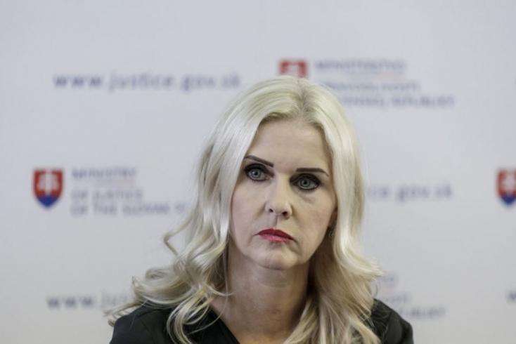 Monika Jankovskát felfüggesztették bírói tisztségéből